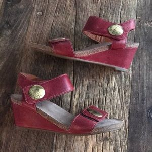 Taos Carousel 2 Red Leather Wedge Heel Size 38/8